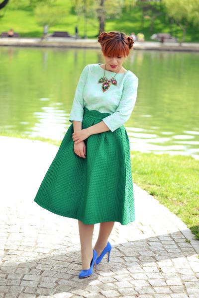 green Choies skirt - aquamarine Casa de Moda Fancy top - blue heels