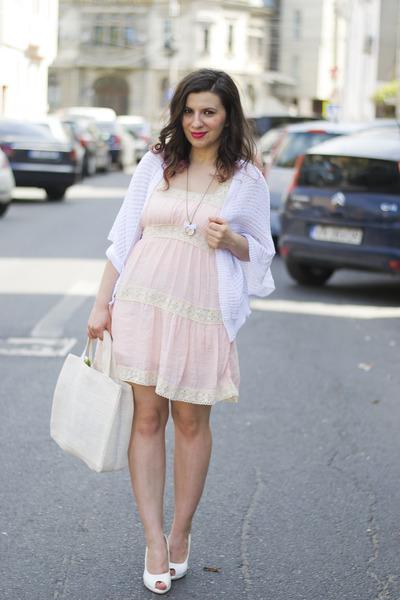 3849e59ea76 light pink dress - white cardigan