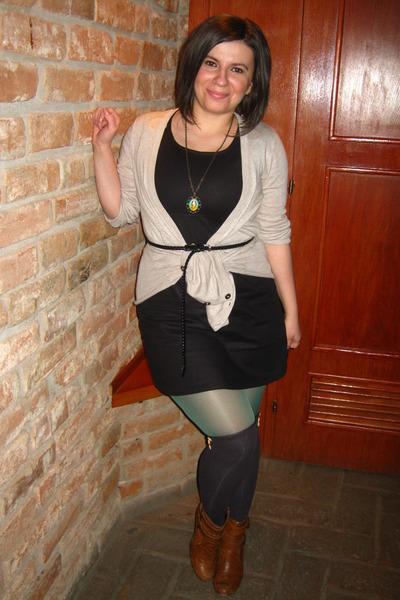 49e59c1152 black dress - green tights - gray meli melo socks - black belt