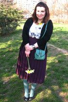 green OASAP bag - magenta vintage skirt - white GINA TRICOT t-shirt