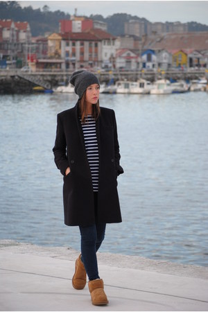 Paul and Joe coat - Ugg Australia boots - Zara jeans - H&M hat