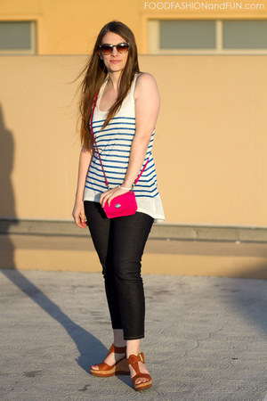 neon pink coach purse - dark denim Forever 21 jeans - Forever 21 shirt