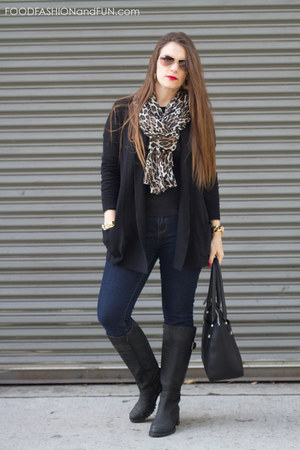 cardigan banana republic sweater - black leather corso como boots
