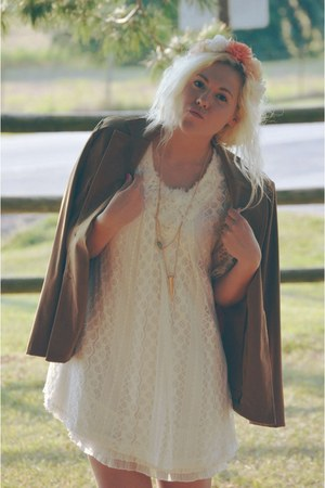 black ankle boots boots - white lace dress - brown vintage jacket jacket