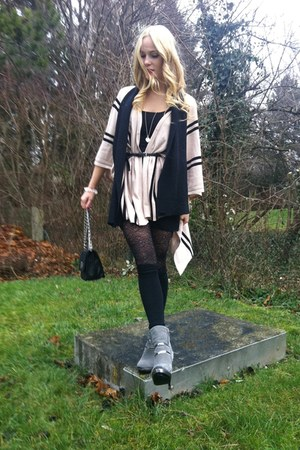 silver united colors of benetton boots - black H&M tights - black Madleine bag