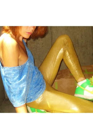 shirt - American Apparel tights - nike shoes
