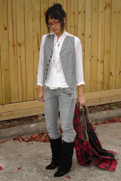 banana republic vest - vintage mom blouse - Hot Topic belt - UO jeans - asos boo