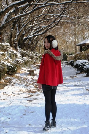 dark brown boots - dark gray Calliope sweater - black tights - red cape