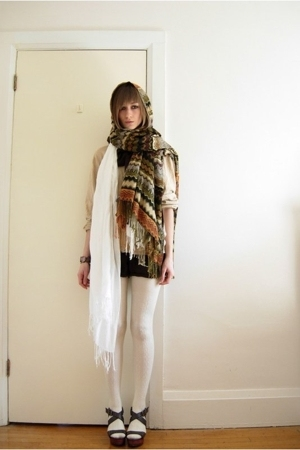 tights - shorts - - scarf - - scarf