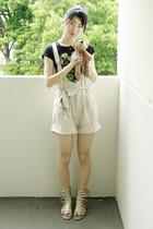 t-shirt - shorts - shoes
