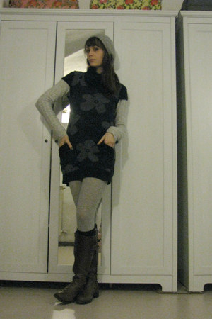 brown leather boots - navy sweater dress - silver H&amp;M sweater