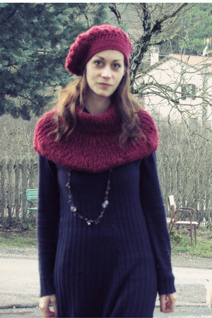 navy sweater thrifted dress - maroon beret handmade hat