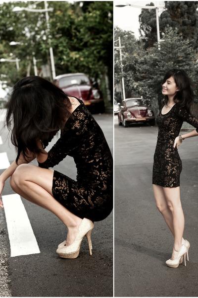 Black Dress With Glitter Heels