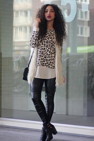 camel Mostwanted sweater - black new look boots - black Primark bag