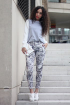 white H&M shoes - heather gray Mostwanted sweater