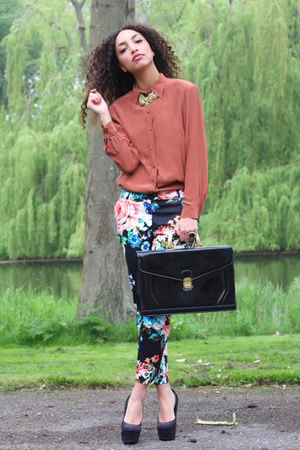 black vintage bag - lime green H&M pants - black deezee pumps