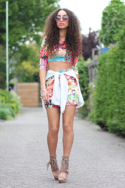 hot pink Desire skirt - bronze asos sunglasses