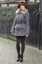 dark brown ankle liu jo boots - crimson velvet elke martensen hat - heather gray