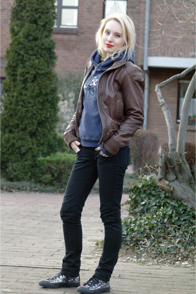 fea2ebbff892 silver sequined Converse shoes - black skinny Pepe Jeans jeans - dark brown  leat