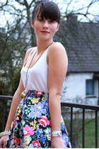 black Takko fashion bag - floral Secondhand skirt - Orsay necklace - Bijou Brigi