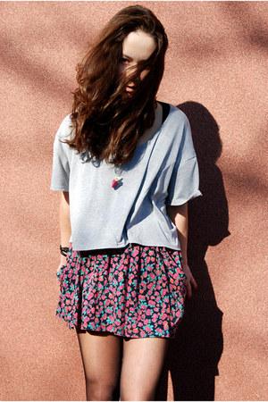 grey t-shirt Secondhand t-shirt - floral dress H&M dress