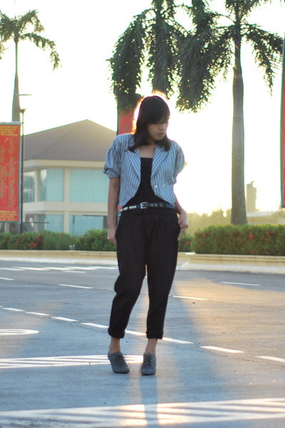 Love Vintage Manila blazer - SM top - Zara pants - thrifted belt - Zara shoes