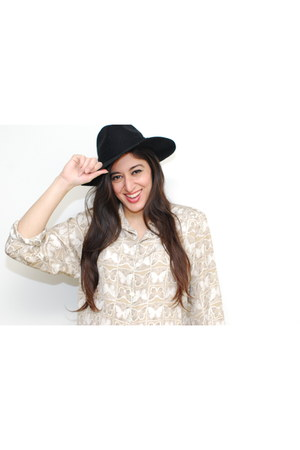vintage blouse - wide rim hat foreign exchange hat