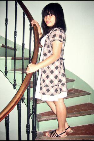 black Paris Mode shoes - black Bershka vest - gray H&M dress