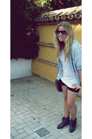 shirt - Zara t-shirt - Pull and Bear shorts - Pull and Bear purse - Pull and Bea