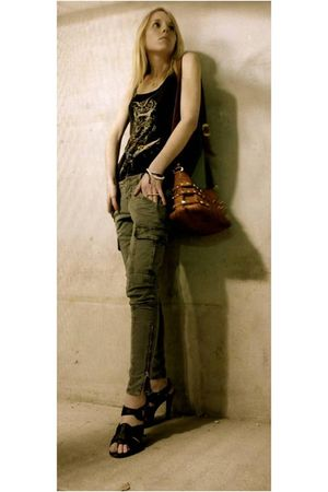 green J Brand pants - gray Urban Outfitters top - brown Chloe shoes