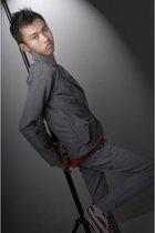 Zara for Men t-shirt - Bronze blazer - Nnacindo pants - Dallas shoes - vest