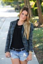 Zara blazer - Forever 21 shorts - BCBG top - H&M belt - Michael Kors watch