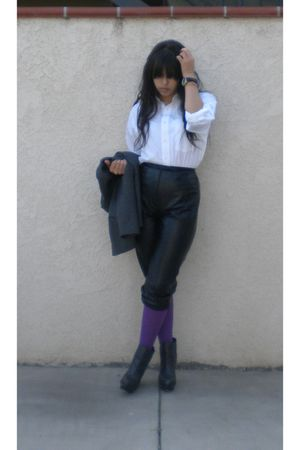 white shirt - black pants - purple tights - gray boots - gray blazer