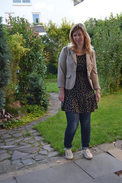 black Promod dress - blue jeans - camel thrifted blazer - beige sneakers