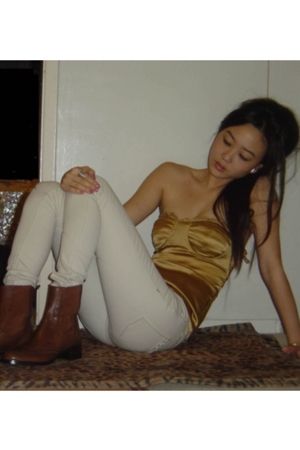 gold shirt - white jeans