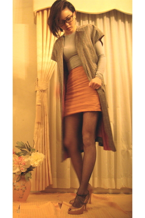 gray saks cardigan - orange huis clos - brown wwwfetishismetsycom accessories