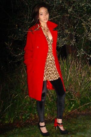 red coat - black leggings - red fetishism accessories