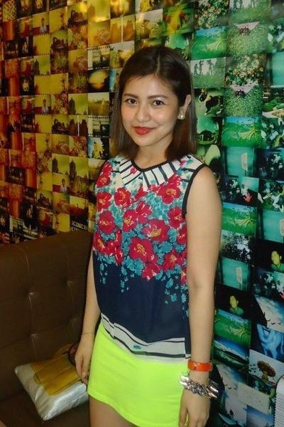 chartreuse neon Forever 21 skirt