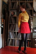 red skirt - gold jumper - peach home decor - brick red home decor