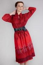 prints thrifted vintage dress