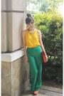 Orange-envelope-bag-nobrand-bag-camel-nobrand-sunglasses