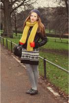 Peacocks shoes - Primark dress - Forever 21 scarf - John Lewis gloves