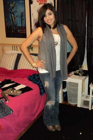 gray Forever 21 vest - blue Hurley jeans - gray payless boots
