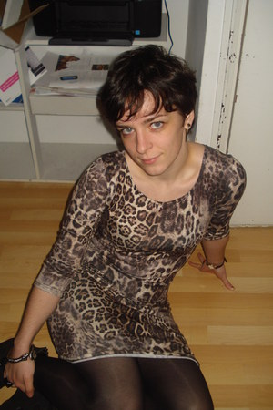 camel Primark dress