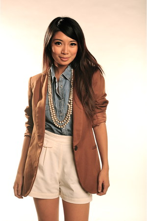sky blue denim top f21 top - crimson Zara blazer - eggshell f21 shorts