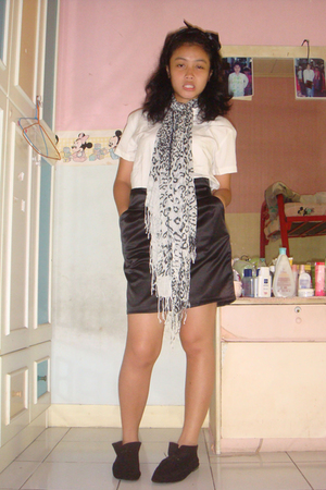 blouse - skirt - scarf - accessories - shoes