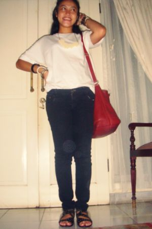 giordano t-shirt - unbranded jeans - Charles & Keith shoes - Forever 21 accessor