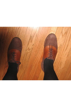 brown Bass shoes