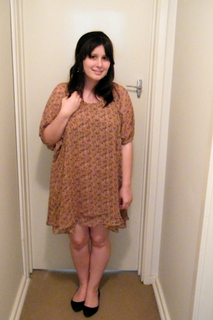 beige modcloth dress - black Steve Madden shoes - black Sportsgirl accessories -