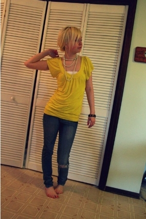 Wet Seal t-shirt - rue21 top - DrDenim jeansmakers jeans - unknown bracelet - un